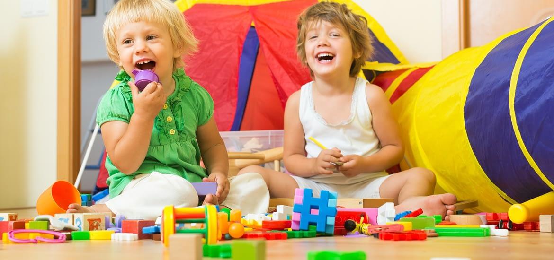 Idei de jocuri si activitati creative pentru copilul mic (1-3 ani)